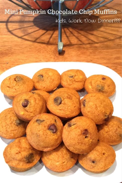 Mini Pumpkin Chocolate Chip Muffins - www.kidsworkdinner.com