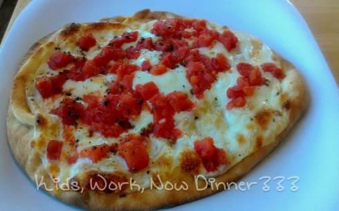 Margarita Naan Pizza - www.kidsworkdinner.com